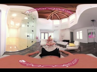VR Bangers-[360°VR] DILLION and PRISTINE SCISSORING after NAKED Racquetbal